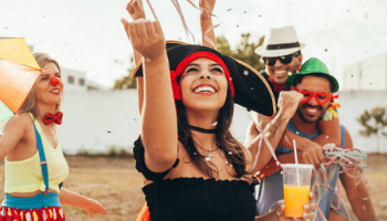 Imagem da Notícia 7 dicas para cuidar bem da sua hidratação durante o carnaval