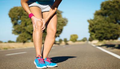 Imagem da Notícia Saiba quais as lesões mais comuns nos joelhos de corredores.