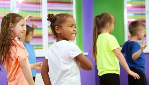 Imagem da Notícia Estudo sugere a inclusão da Dança nas aulas de Educação Física